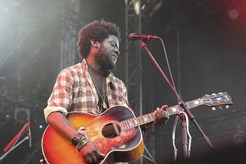 Michael Kiwanuka, gitár (Fotó:  anna Hanks/Flickr/CC BY 2.0)