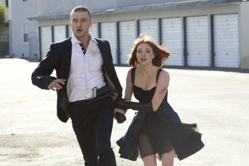 Justin Timberlake és Amanda Seyfried versenyt futnak az idővel
