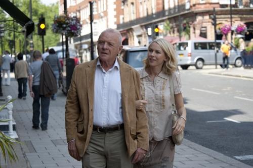 Apa és lánya: Sir Anthony Hopkins és Naomi Watts
