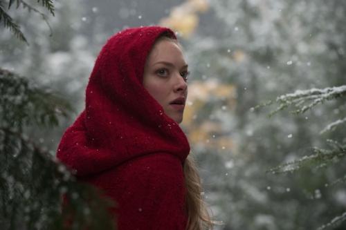 Amanda Seyfried A lány és a farkas c. filmben