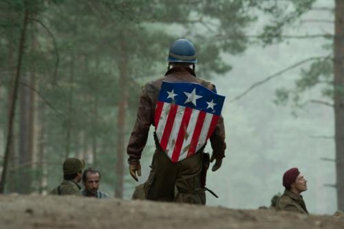 Chris Evans az Amerika Kapitány: Az első bosszúálló c. filmben