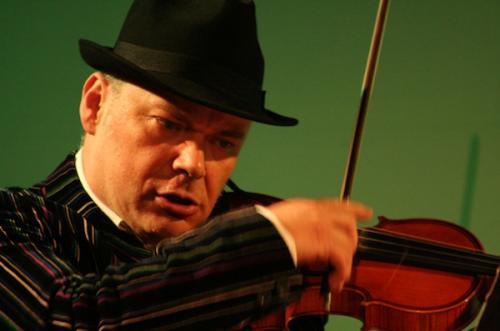 Alexander Balanescu, hegedű