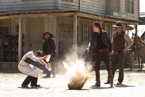 Részlet a Cowboyok és űrlények c. filmből
