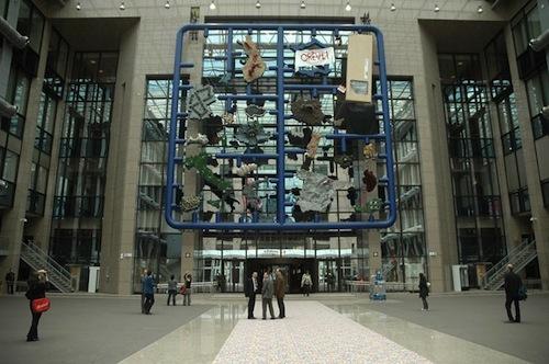 Az Entropa az Európai Parlament épületében