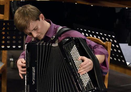 Demeniv Mihály, harmonika