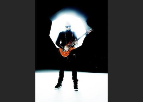 Joe Satriani, gitár