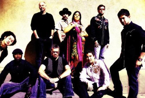 Lila Downs és zenekara