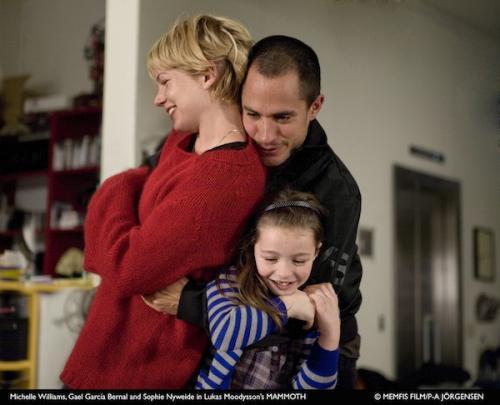 Michelle Williams, Gael Garcia Bernal és Sophie Nyweide a Mamut c. filmben