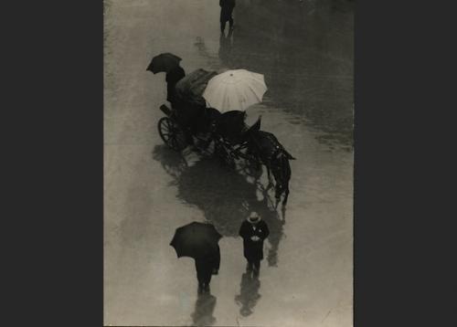 Martin Munkácsi: Palermo esőben