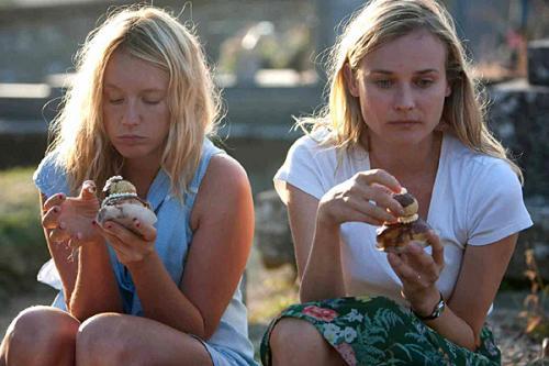 Ludivine Sagnier és Diane Krueger a Mezítláb című filmben