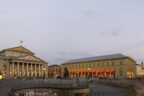 Müncheni Opera Palota Tér