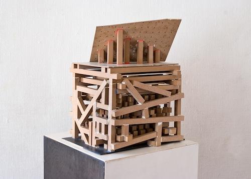 """Patrick Schmierer: A """"Kép - épülőben"""" objekt-sorozatból"""