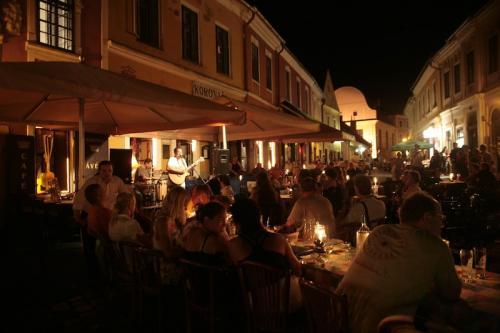 Szentendrei főtér este