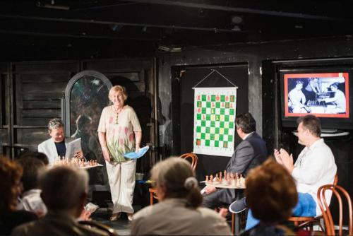 Krizsán Edith a Sakklegendák nyomában előadásán