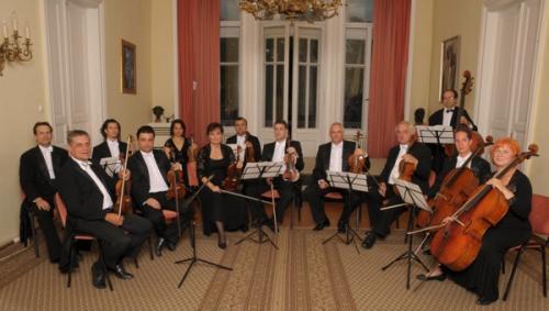 Tátrai Vilmos Kamarazenekar, melyben hazánk több koncertmestere is játszik