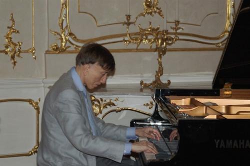 Vásáry Tamás, zongora